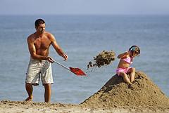 shovel-beach-kids-dad.jpg