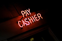 pay-cashier-neon-sign